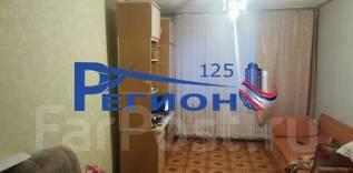 Гостинка, улица Надибаидзе 32. Чуркин, агентство, 24 кв.м. Комната