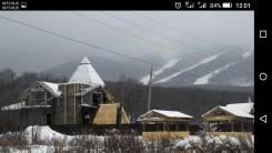 Отличный участок у подножья горнолыжной базы. 1 023 кв.м., собственность, электричество, вода, от частного лица (собственник). Фото участка