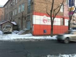Сдается в аренду торговое помещение во Владивостоке. 95 кв.м., улица Бурачка 4, р-н Чуркин. Дом снаружи