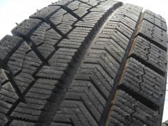 Bridgestone Blizzak VRX. Зимние, без шипов, 2015 год, без износа, 2 шт