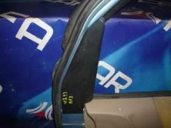 Уголок накладка на дверь Honda Stepwgn, правый передний