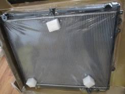 Радиатор охлаждения двигателя. Lexus LX570, URJ201 Двигатель 3URFE