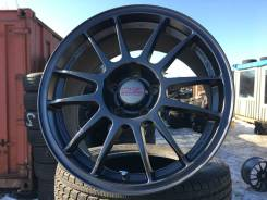 OZ Racing Superleggera. 8.0x17, 5x114.30, ET40, ЦО 67,1 мм.