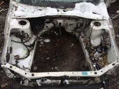 Передняя часть автомобиля. Subaru Forester, SG5 Двигатель EJ20