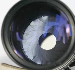 Серия М42 : объектив Pentacon 200мм 1:4 15-лепестковая диафрагма. диаметр фильтра 58 мм