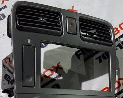 Консоль панели приборов. Subaru Forester, SG5 Двигатель EJ205