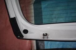 Крепление двери багажника. Toyota ist, NCP60