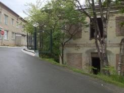 Продается руинированное здание в центре города. Переулок Школьный 5, р-н Центр, 300 кв.м.
