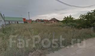 Продаю земельный участок в п. Российском с/т Транспортник. 600 кв.м., собственность, электричество, от агентства недвижимости (посредник)