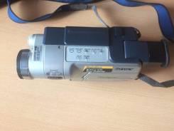 Sony CCD-TRV218E. Менее 4-х Мп, без объектива