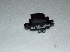 Кнопка стеклоподъемника. Nissan Cube, AZ10 Двигатель CGA3DE