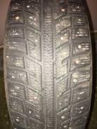 Kumho I'Zen KW22. Зимние, шипованные, 2012 год, износ: 20%, 2 шт
