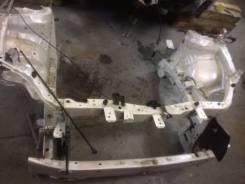 Рамка радиатора. Toyota Auris
