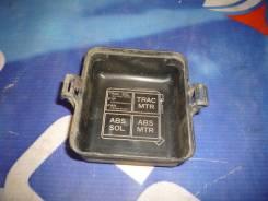 Крышка предохранителей Toyota Crown GS151