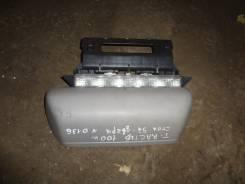 Стоп-сигнал. Toyota Ractis, NCP100, SCP100