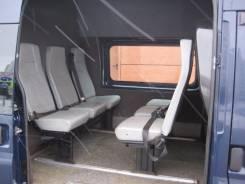 Ford Transit. грузопассажир 8+1, 2 199 куб. см., 1 300 кг.