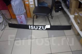Решетка на фары. Isuzu