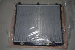 Радиатор охлаждения двигателя. Toyota Land Cruiser, VDJ200, GRJ200, URJ200, URJ202, UZJ200 Двигатели: 3URFE, 1VDFTV, 1URFE, 1GRFE, 2UZFE