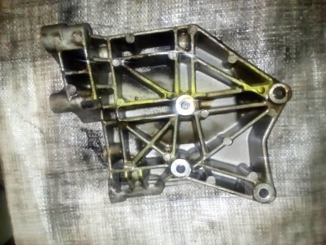 Крепление компрессора кондиционера. SsangYong: Actyon, Stavic, Actyon Sports, Rexton, Korando, Kyron Двигатели: D20DT, D20DTF, D20DTR
