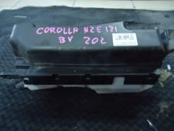 Блок предохранителей под капот. Toyota Corolla, NZE121