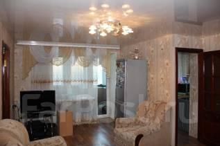 Обменяю двух комнатную квартиру на трех комнатную. От частного лица (собственник)