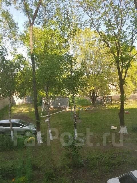 2-комнатная, улица Советская 94. Центр, частное лицо, 43 кв.м. Вид из окна днём