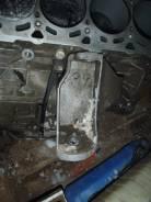 Кронштейн опоры двигателя. Volkswagen Touareg Двигатель AXQ