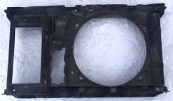 Рамка радиатора. Peugeot 308