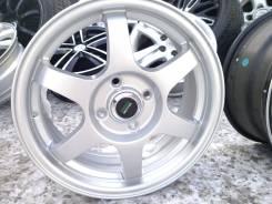 Mak Zenith Hyper Silver. 6.0x15, 4x100.00, ET50, ЦО 60,1мм.
