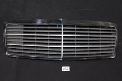 Решетка радиатора. Mercedes-Benz C-Class
