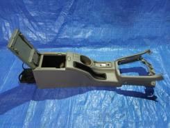 Подлокотник. Subaru Forester, SG5, SG9, SG
