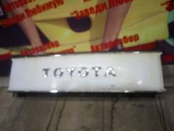 Решетка радиатора. Toyota Master Ace Surf, YR20G