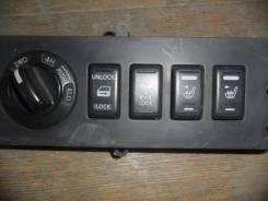 Кнопка включения 4WD Nis D40, шт Nissan Navara D40, Nissan Pathfinder R51, YD25