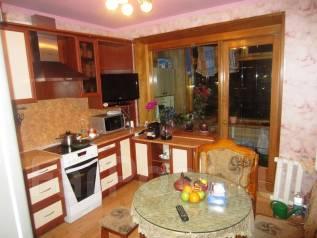 3-комнатная, улица Виталия Кручины 3. северо-восток, агентство, 68 кв.м.
