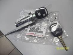 Личинка замка. Toyota Land Cruiser Prado, TRJ125, RZJ120, LJ120, LJ125, KDJ125, TRJ120, GRJ120, KZJ120, GRJ125, KDJ120, RZJ125 Двигатели: 1GRFE, 3RZFE...