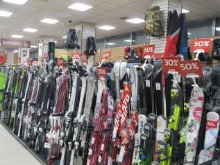 Скидки до 50% на лыжи, сноуборды, ботинки, коньки, экипировку