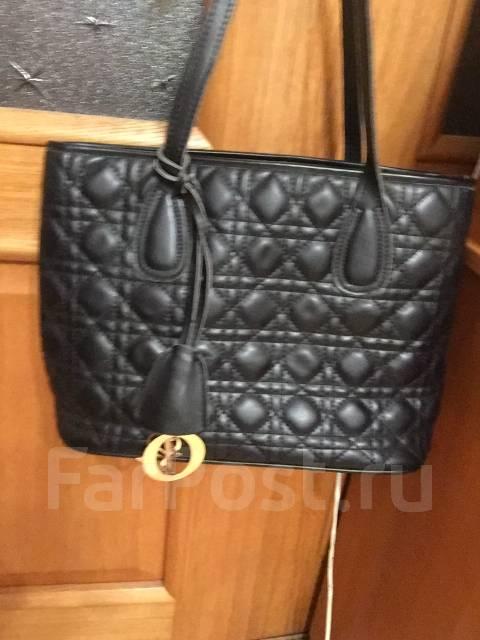 Продам сумку Dior - Аксессуары и бижутерия во Владивостоке 8b68dba0e11