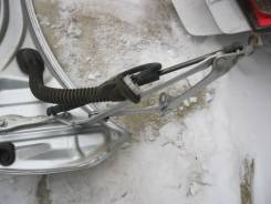 Крепление крышки багажника. Toyota Mark X