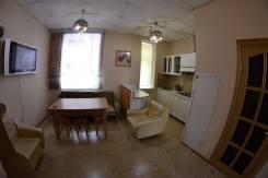 2-комнатная, улица Дзержинского 33. центр города, 50 кв.м. Кухня