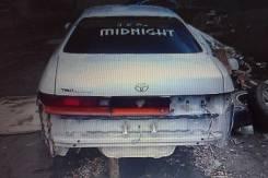 Стекло заднее. Toyota Chaser, GX90