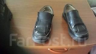 Отдам бесплатно туфли на мальчика 31 размер