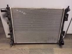 Радиатор охлаждения двигателя. Hyundai Solaris Hyundai i20 Hyundai Veloster Kia Rio