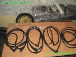 Уплотнитель двери багажника. Toyota Caldina, AZT241, ZZT241, AZT246, ST246 Двигатели: 1AZFSE, 1ZZFE, 3SGTE