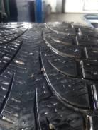 Pirelli Winter Carving Edge SUV. Зимние, шипованные, 2013 год, износ: 30%, 2 шт