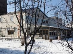 Продам 2-х этажный коттедж по ул. Штабского. Штабского, р-н Сах.поселок, площадь дома 455 кв.м., централизованный водопровод, электричество 15 кВт, о...