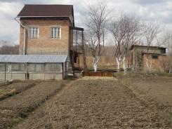 Дача с кирпичным домом и постройками. От частного лица (собственник). Фото участка