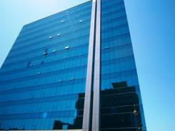 """БЦ Fresh Plaza (офисы класса """"А"""") — от 80 до 2000 кв. метров. 1 900 кв.м., проспект Океанский 17, р-н Центр. Дом снаружи"""