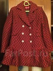 Обменяю пальто и красную шерстяную кофточку