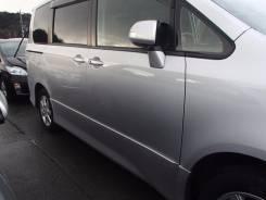 Дверь боковая. Toyota Noah, ZRR70