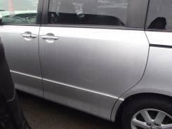 Дверь сдвижная. Toyota Noah, ZRR70